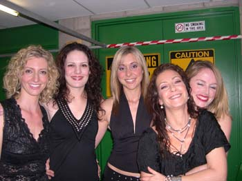 STRING SIRENS backstage with Wendy Matthews